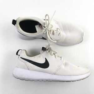 Nike White Running Shoes D7617042